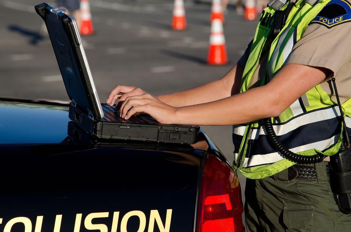 Should police officers use evidence management software?